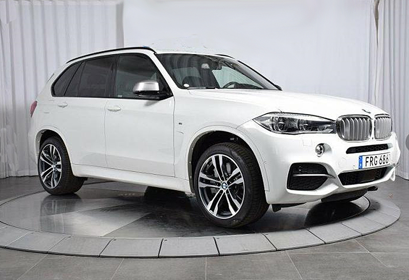Vit BMW X5 M50D Ultimate edition stulen i Nyköping